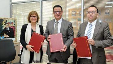 Photo of التوقيع بالرباط على اتفاقية إطار لإطلاق ماستر مشترك بين المدرسة الوطنية للصحة العمومية ومعهد الصحة العالمية بجامعة برشلونة