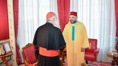 Photo of أمير المؤمنين يستقبل الكاردينال كريستوبال لوبيز روميرو، أسقف الرباط.