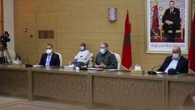 Photo of العيون: اجتماع حول تعزيز التدابير الصحية الوقائية لضمان إقلاع اقتصادي آمن بمدينة المرسى