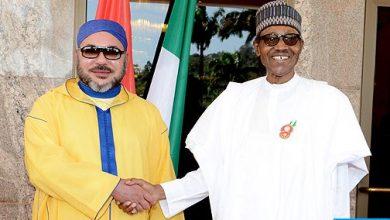 Photo of جلالة الملك يتباحث هاتفيا مع الرئيس النيجيري محمدو بوهاري عقب إعادة انتخابه رئيسا لبلاده