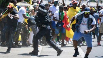 Photo of الشرطة السويسرية تفرق تظاهرة احتجاجا على زيارة رئيس الكاميرون