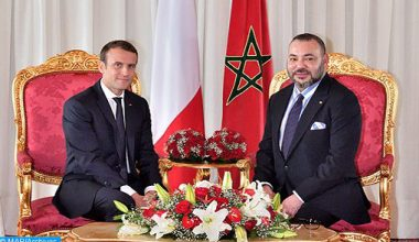 Photo of جلالة الملك والرئيس الفرنسي يبحثان في اتصال هاتفي ألأزمة الليبية عشية اجتماع برلين